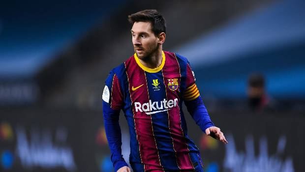 Messi's post-match gesture towards Elche goalkeeper wins hearts
